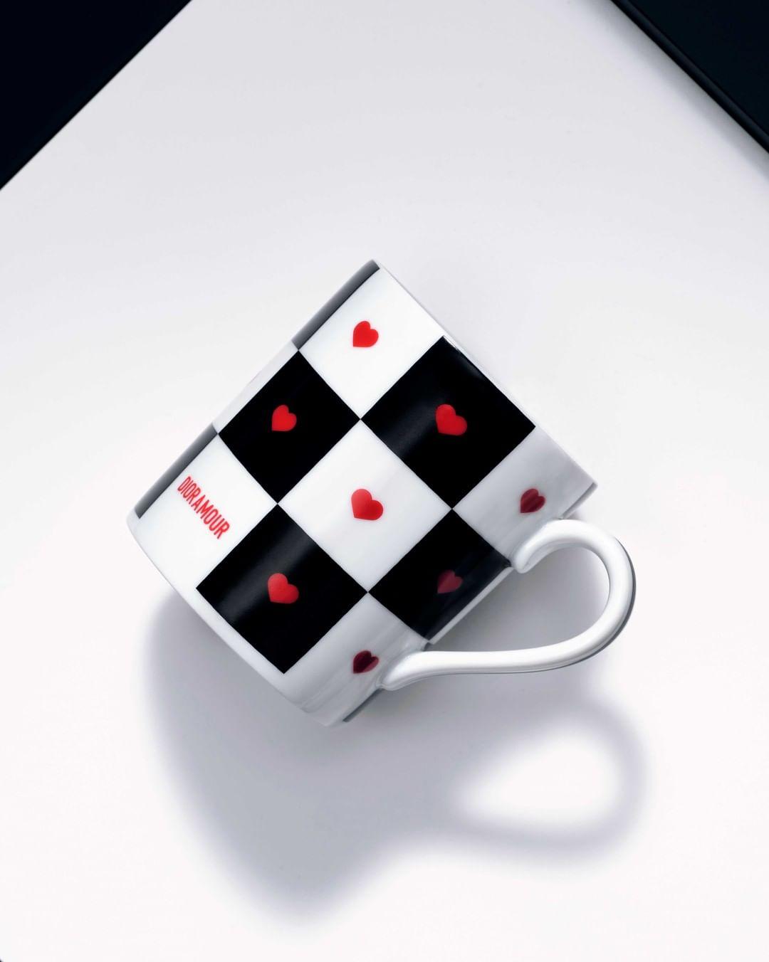 Кружка из шахматной коллекции Диор
