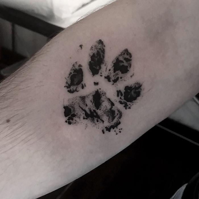 paw-tattoo-31-59b8fdd58b560__700