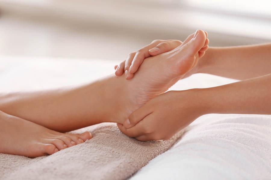 массаж ног и стоп от отеков